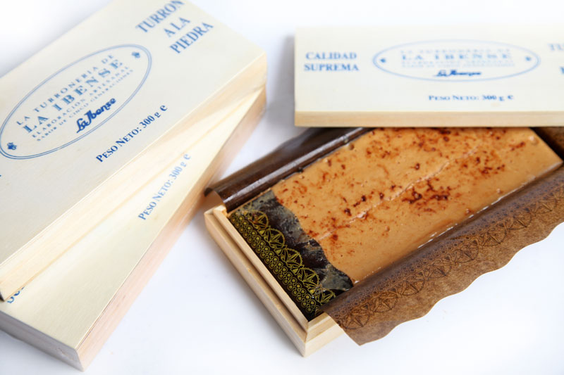 Turrón a la Piedra sin Azúcar. (Sin gluten) Estuche madera 300g