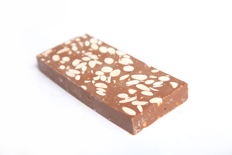 Turrón de Chocolate con Almendras (Sin gluten). Barra  300g